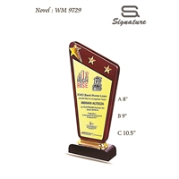 WM 9729 - NOVEL TROPHY
